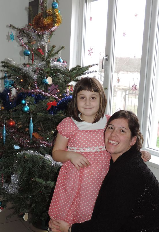 Pictures in front of the tree (2).JPG
