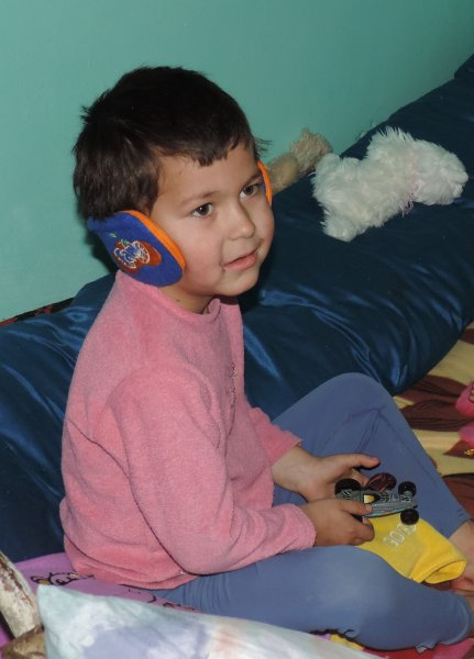 Marius gave his earmuffs to his little brother